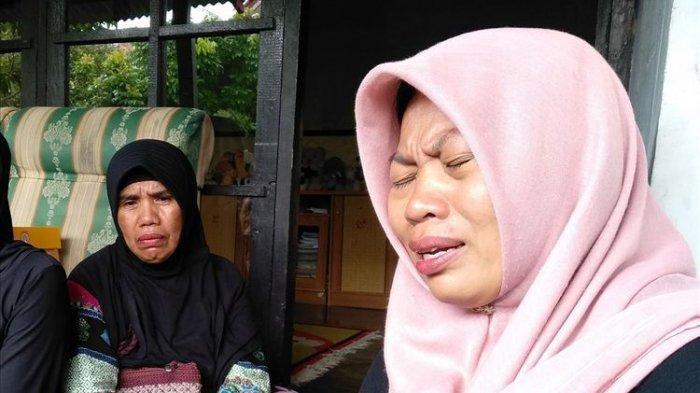 Korban Pelecehan Seksual Baiq Nuril Menangis di Gedung DPR RI, Yakin Keadilan Akan Terwujud