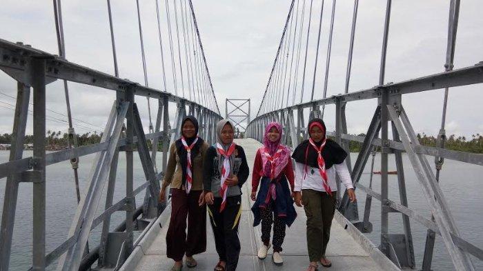 Jembatan Balibung yang Instagramable Ini Jadi Lokasi Penyelenggaraan Aceh Roverway di Pulau Banyak
