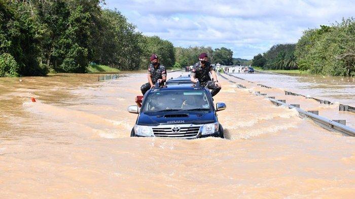 Malaysia Dilanda Banjir Terbesar Setelah 2015, Warga ...