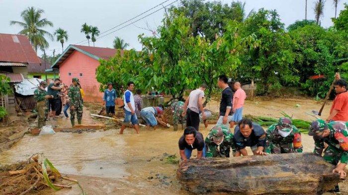 Sungai Lawe Harum Aceh Tenggara Meluap,  28 Rumah Terendam, TNI Bantu Penanganan Banjir Ini