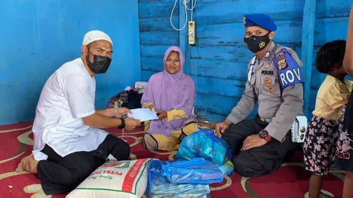 Komunitas Jumat Berkah Berbagi Dengan Janda Miskin di Idi Rayeuk Aceh Timur