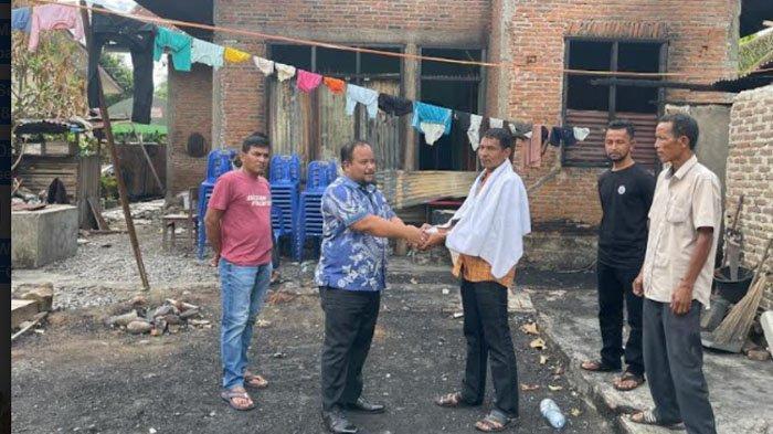 Muchlis Zulkifli Kunjungi Korban Rumah Terbakar