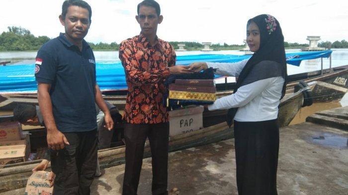 Pemkab Aceh Singkil Salurkan Bantuan untuk Korban Boat Karam