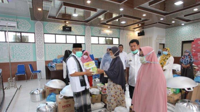 Wabup Aceh Besar Serahkan Bantuan Ekonomi Produktif