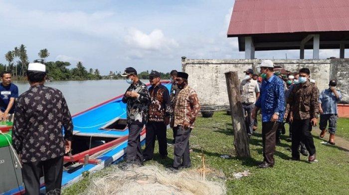 Bupati Serahkan Fish Finder untuk Nelayan Nagan Raya, Ini Fungsinya