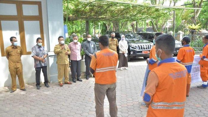 Bank Aceh Syariah Serahkan Paket Ramadhan untuk Pasukan Orange