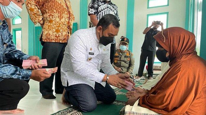 Jelang Idul Adha, 3.021 Lansia di Aceh Jaya Dapat Bantuan Tunai