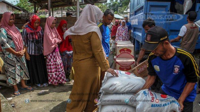 FOTO - Kondisi Terkini Fenomena Tanah Bergerak di Lamkleng Aceh Besar - bantuan-untuk-disalurkan-kepada-korban-yang-terdampak-tanah-bergerak.jpg