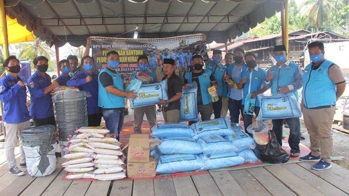 KNPI Subulussalam Salurkan Bantuan untuk Korban Kebakaran di Sultan Daulat