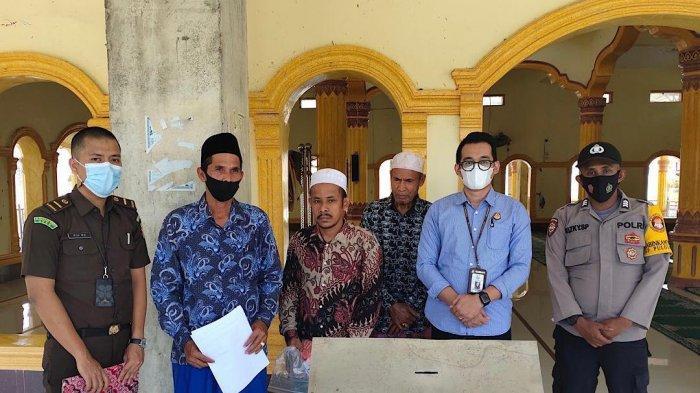 Pencuri Uang Dalam Celeng Masjid Dihukum 4 Tahun Penjara, Jaksa Kembalikan Barang Bukti Rp 4,6 Juta