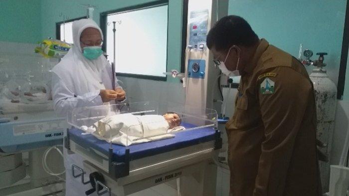 Tiga Anak-anak Temukan Bayi Perempuan Masih Ada Tali Pusar, Begini Kondisinya