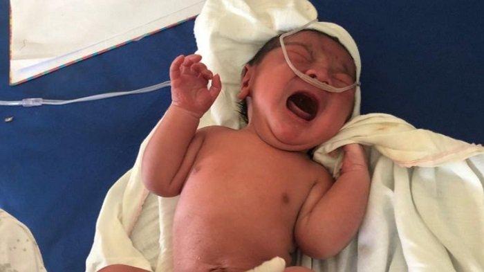 Bayi Laki-laki Dibalut Kain Bedong Ditemukan di Kursi Kios di Simpang Mamplam, Begini Kronologisnya