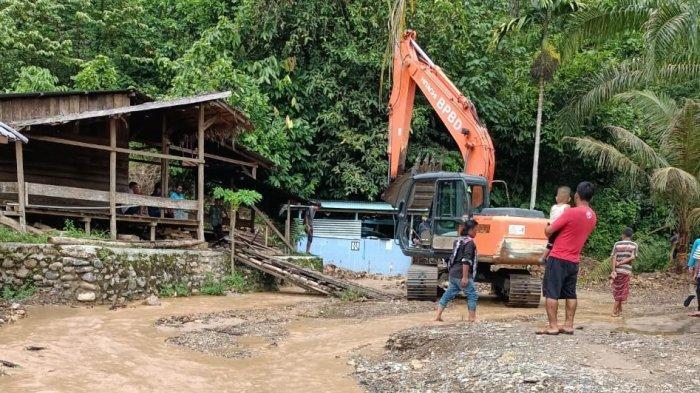 Cegah Banjir, BPBD Aceh Tenggara Normalisasi Sungai Lawe Saraf dan Lawe Tuban, 2 Beko Dikerahkan