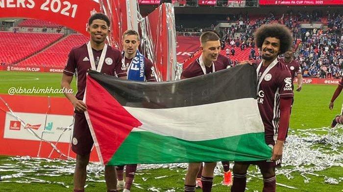Bendera Palestina Dibentangkan Saat Leicester City Rayakan Gelar Juara Piala FA