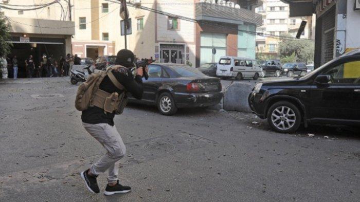 Bentrokan Bersenjata Pecah di Jalanan Beirut, Korban Terus Berjatuhan