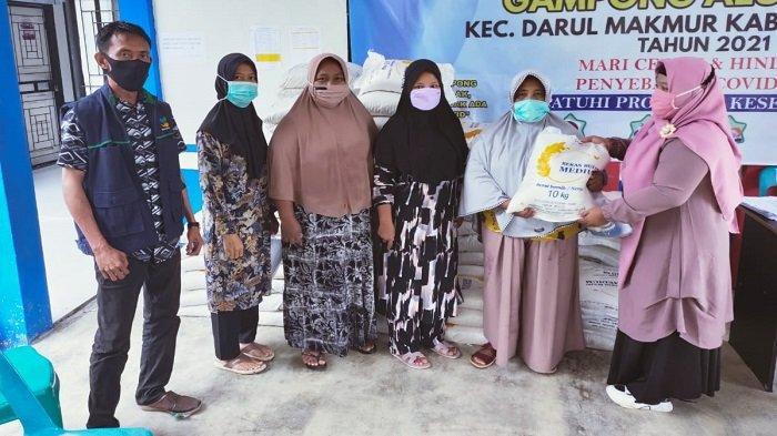 5.692 Keluarga Miskin di Nagan Raya Dampak Covid-19 Terima BST