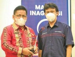 Aminullah Terima Award Indonesia Visionary Leader SINDOnews 2021