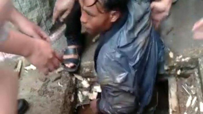 Pria Ini Bersembunyi 15 Jam Dalam Gorong-gorong, Karena Ketakutan Diteriaki Maling