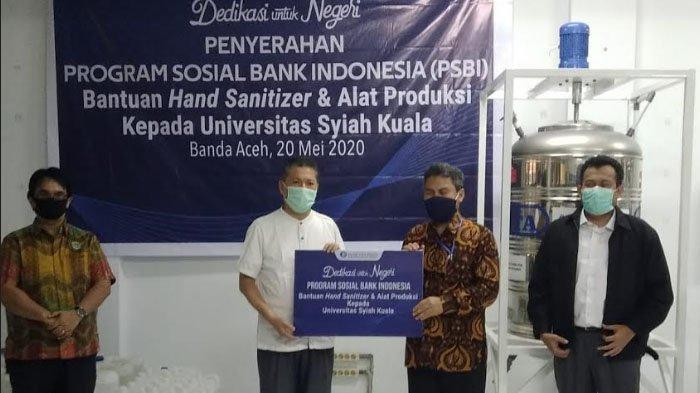 BI Aceh Serahkan Bantuan Alat Produksi dan Bahan Baku Pembuatan Hand Sanitizer