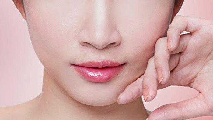 5 Cara Menghilangkan Bibir Hitam dan Memerahkannya Kembali dengan Bahan Alami