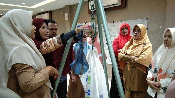 Bidan dan Ahli Gizi Empat Kabupaten di Aceh Dilatih Penanganan Stunting