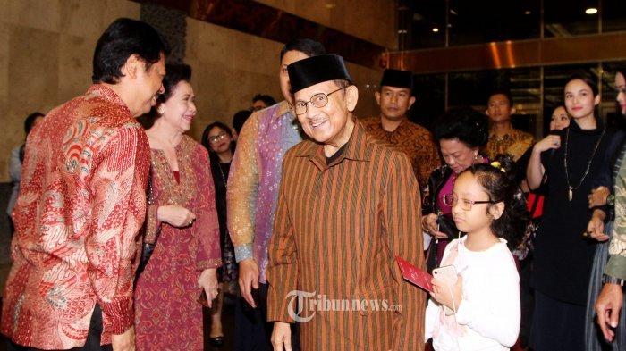 """[OBITUARI] BJ Habibie, Bapak Teknologi Indonesia Pencetus Rumus """"Faktor Habibie"""""""