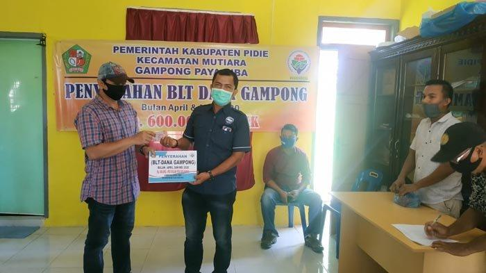 Tindak Lanjuti Instruksi Kemendes PDTT, Pendamping Desa Mutiara, Pidie Salurkan BLT Dana Gampong