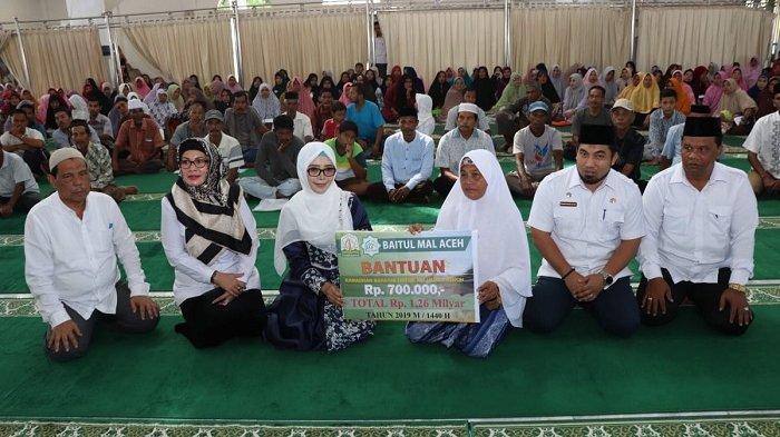Baitul Mal Aceh Bantu 1.800 Fakir Miskin