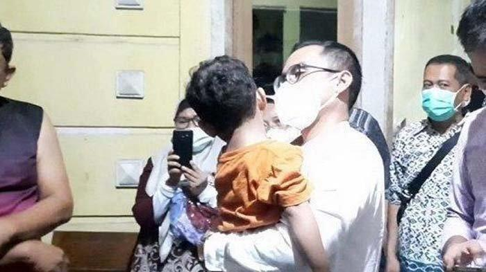 Bocah Yatim Piatu Dianiaya Ibu Angkat hingga Lebam, Korban Dibanting, Pelaku Ditangkap Polisi