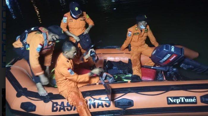 Terekam CCTV, Balita 2 Tahun Jatuh ke Krueng Aceh dan Hilang, Tim SARS Masih Mencari