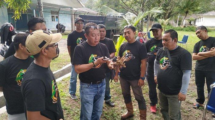 Komunitas Bonsai Sabang Ngumpul di Kilometer Nol, Silaturahmi Sambil Berbagi Pengetahuan
