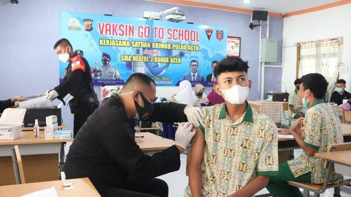 Brimob Polda Aceh Gelar Vaksinasi untuk Siswa