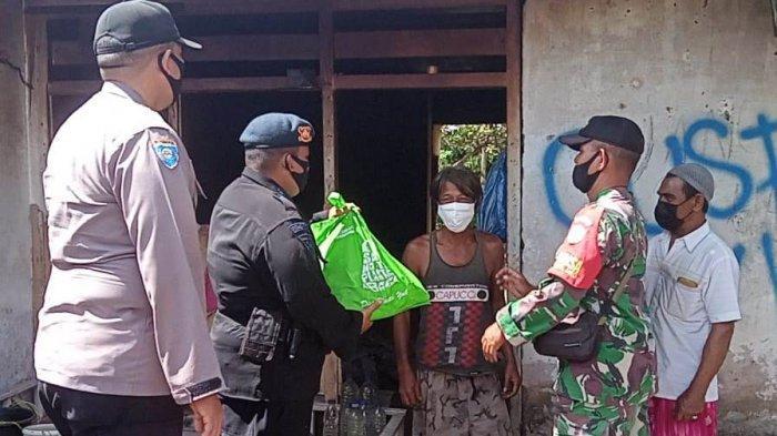 Warga Kurang Mampu dan Lansia di Cot Girek, Lhokseumawe Terima Paket Sembako