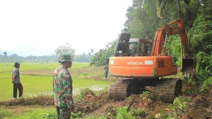 Satgas Pra TMMD Kodim 0107/Aceh Selatan Kebut Pengerjaan Pembukaan Jalan dan Rehab RTLH