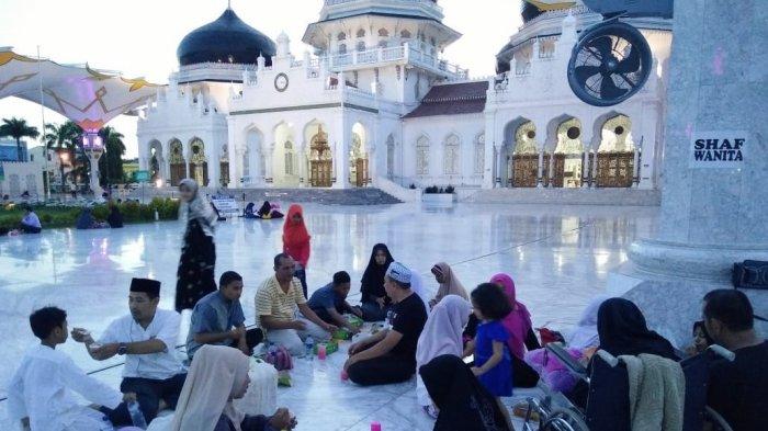 5 Keutamaan Besar Memberi Makanan Buka Puasa di Bulan Ramadhan