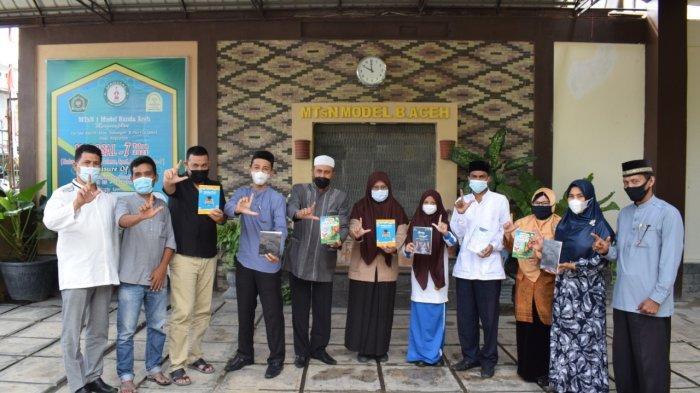 MTsN Model Banda Aceh Terbitkan Empat Buku Hasil Karya Siswa