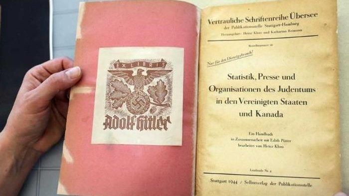 Buku Yang Sangat Langka Seharga Rp63 Juta Pernah Dimiliki Oleh Adolf Hitler, Apa Isinya?