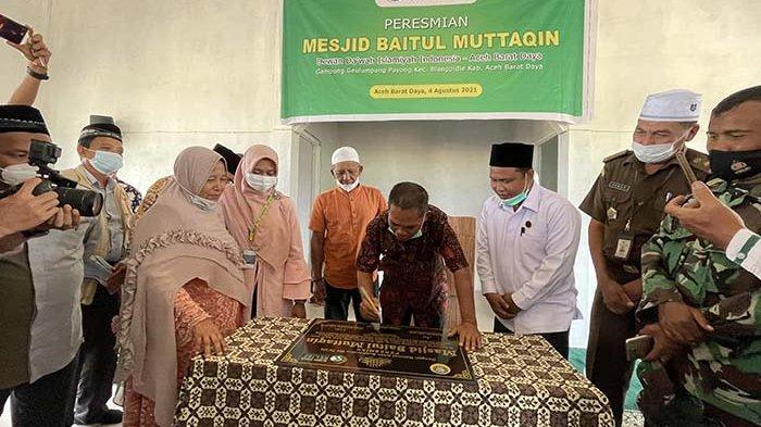 Bupati Abdya Resmikan Masjid Muttaqin