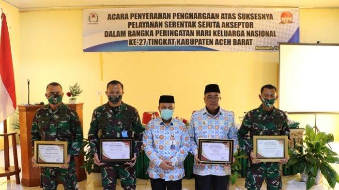 Sukses Dalam Pelayanan Akseptor, Bupati Aceh Barat Raih Penghargaan dari BKKBN
