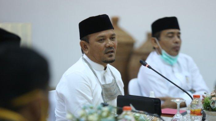Bupati Aceh Besar Salurkan BLT di Kecamatan Darussalam, Berharap Semuanya Tuntas sebelum Idul Fitri