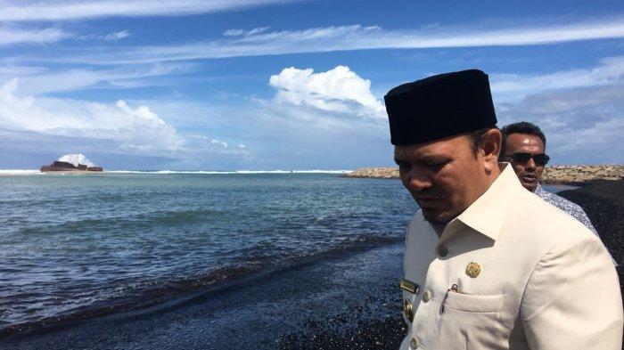 Bupati Ultimatum Pemilik Tongkang, Beri Waktu Satu Minggu Bersihkan Batu Bara di Lampuuk