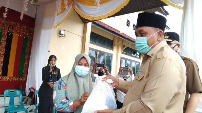 Jaga Stabilitas Harga Kebutuhan Pokok, Bupati Aceh Singkil Minta Agen Tambah Stok