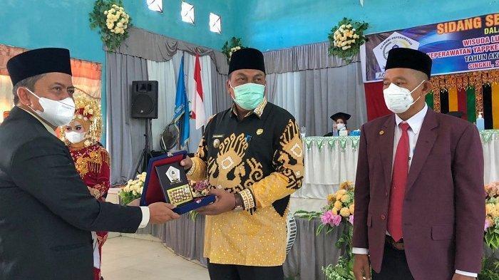 Hadiri Wisuda Akper Yappkes, Bupati Aceh Singkil: Bantu Wujudkan Visi Sehat