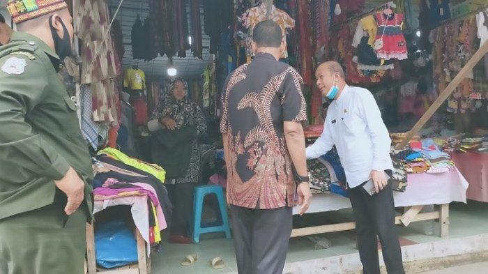 Bupati Ingatkan Pedagang Pasar Kuala Simpang Jaga Kebersihan, Agar Pembeli Jelang Lebaran Nyaman