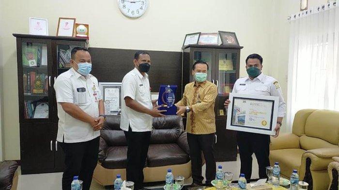 Pemkab Aceh Timur Terima Penghargaan BKN Award 2021