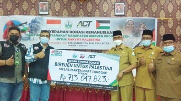 Muzakkar Serahkan Rp 713 Juta Bantuan Masyarakat Bireuen untuk Palestina