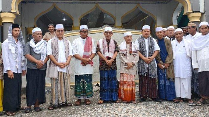 Bupati Gorontalo, Keluarga, dan Staf Ikuti Suluk di Dayah Darul Ihsan Labuhan Haji Aceh Selatan