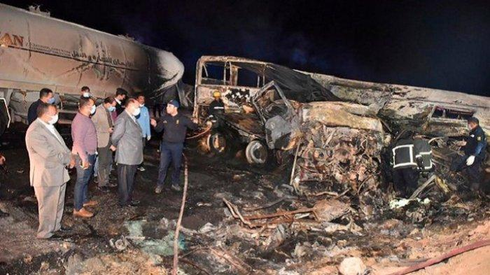 Bus Penumpang dan Truk Semen Bertabrakan, 20 Warga Mesir Tewas
