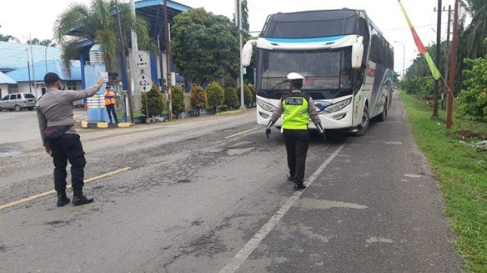 Hari Pertama Larangan Mudik, 148 Kendaraan Disuruh Putar Balik di Perbatasan Aceh - Sumatera Utara