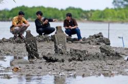 Benarkah Situs Sejarah Terkubur Proyek Limbah?